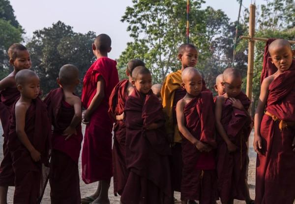 Dzieci w klasztorze - Myanmar