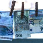 Jak taniej kupić walutę na wyjazd? Planowanie podróży.